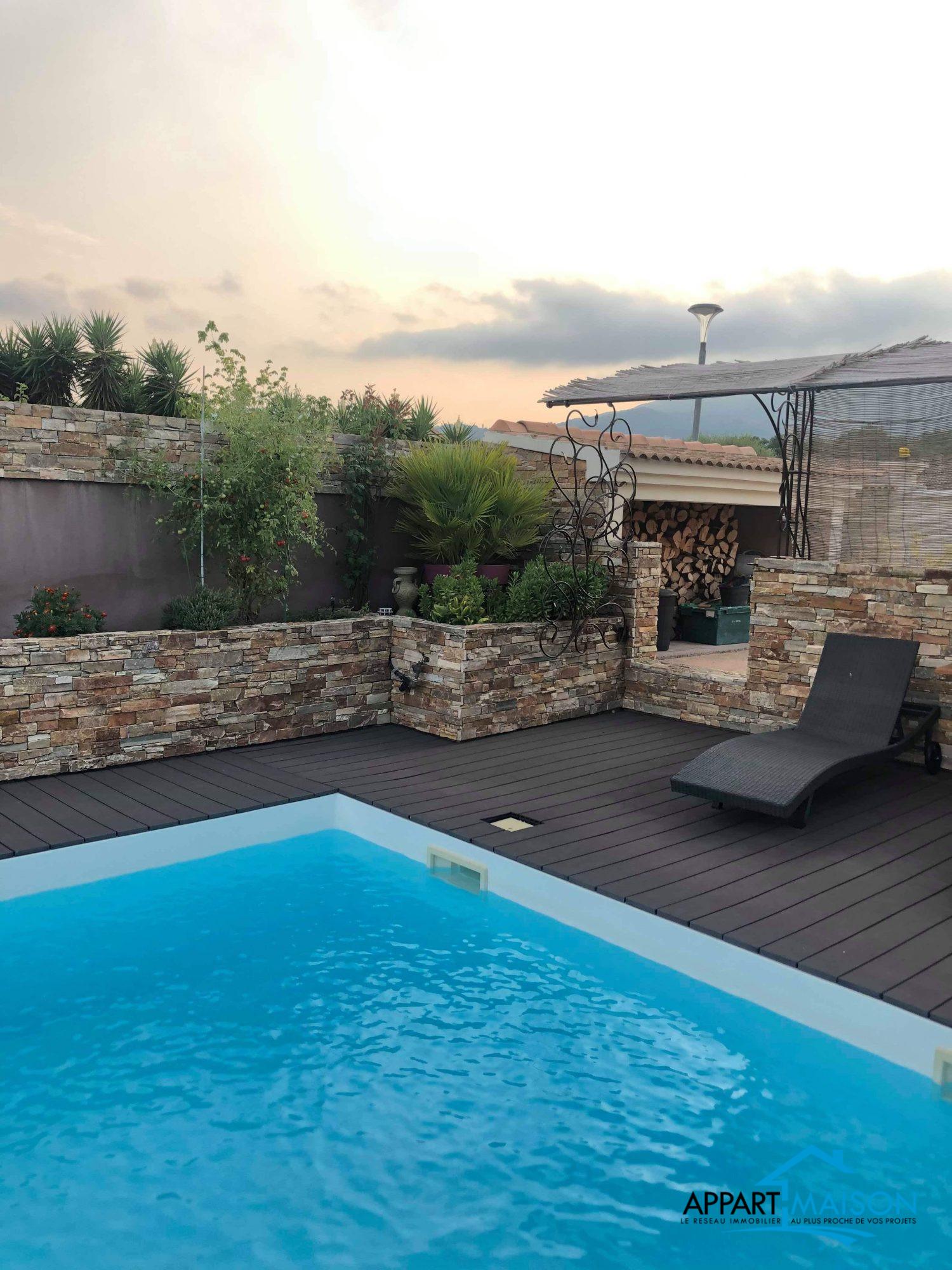 Villa standing 185 m2 avec piscine à 805000 €